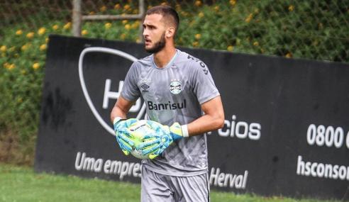 Ceará fecha com goleiro da base do Grêmio para o time principal