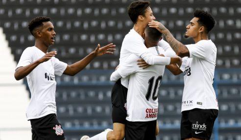 Corinthians promove mais seis atletas da base