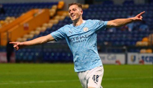 Manchester City goleia fora de casa e segue líder do Inglês Sub-23