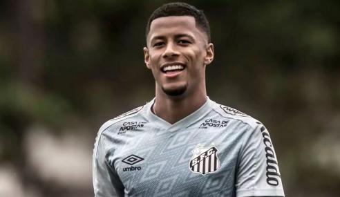 Santos empresta Arthur Gomes ao Atlético-GO