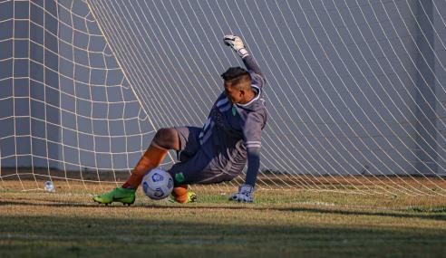 Goleiro pega quatro pênaltis e Floresta elimina Confiança da Copa do Brasil Sub-20