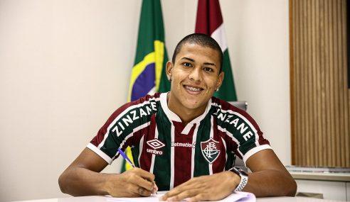 Joia campeã pelo sub-17 do Fluminense renova até o fim de 2024