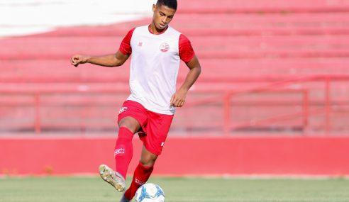 Corinthians enfim anuncia zagueiro do Náutico como reforço para o sub-20