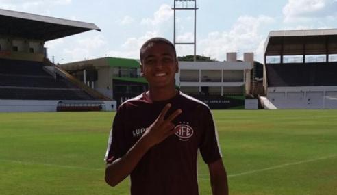 Bahia fecha com zagueiro e atacante para o time sub-20