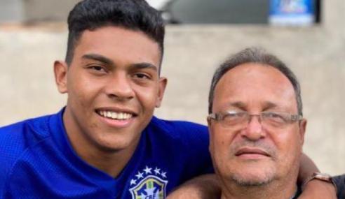 Caburé quer vingar no futebol para realizar sonho do pai, vítima da COVID-19