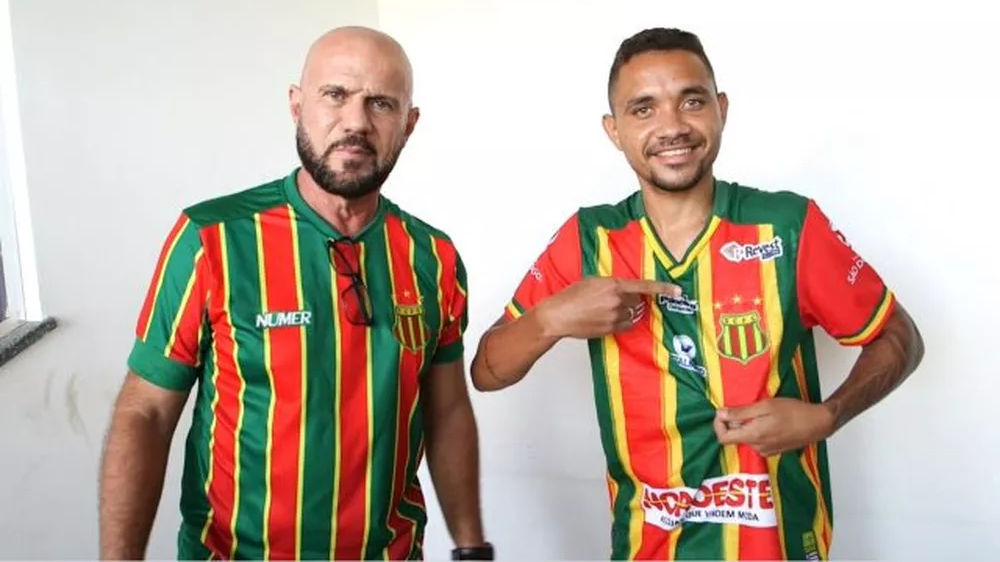 Sampaio Corrêa anuncia chegada de atacante Daniel Silva, ex-Goiás