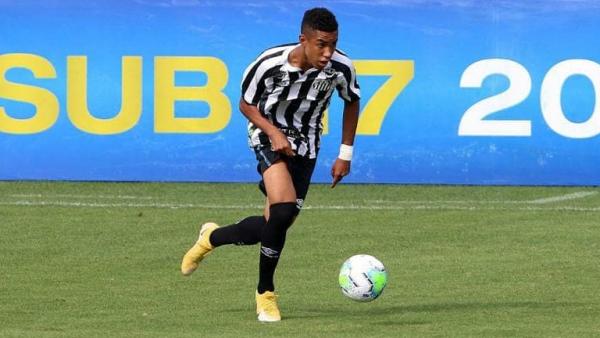 Santos assina contrato profissional com joia de apenas 16 anos de idade