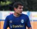 Ponte Preta aguarda decisão do Grêmio para fechar com lateral-direito