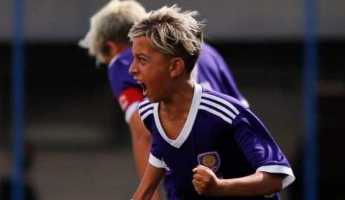 Com fome de bola e Neymar como inspiração, Kaká transforma talento em oportunidades