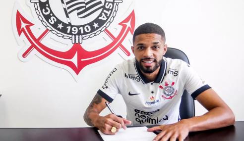 Corinthians renova com Vitinho até 2024