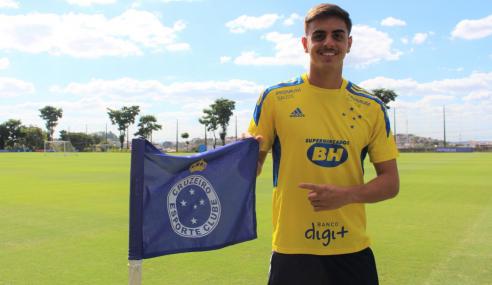 Cruzeiro reajusta contrato de zagueiro Weverton