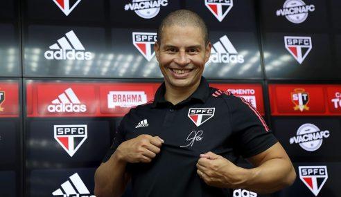 Alex é apresentado oficialmente no São Paulo