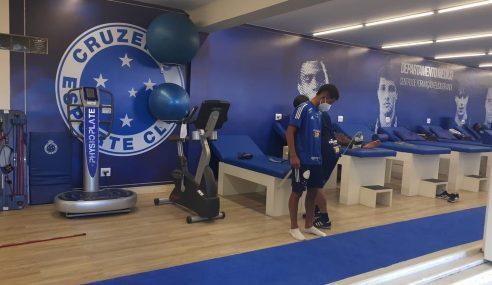 Promessa de 16 anos assina contrato de formação com o Cruzeiro até 2024