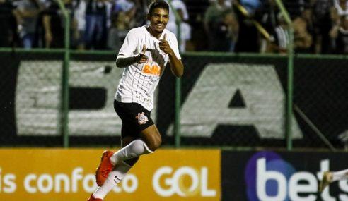 Zagueiro fica sem contrato e deixa o Corinthians