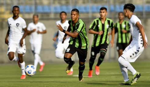 Brasileirão Sub-17: Botafogo sai na frente, mas América-MG busca o empate