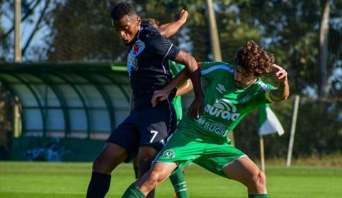 Com início arrasador, Vasco supera Chapecoense pelo Brasileirão Sub-17