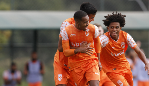 Coimbra bate Minas Boca e estreia bem no Mineiro Sub-20