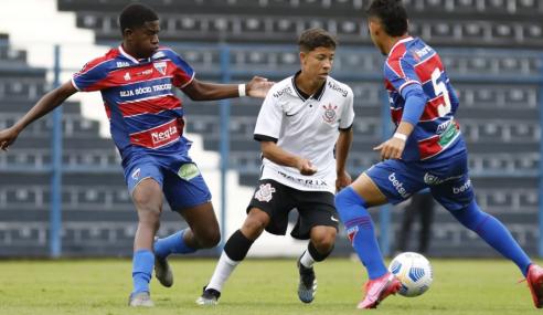 Fora de casa, Fortaleza bate Corinthians e vence a primeira no Brasileirão Sub-17