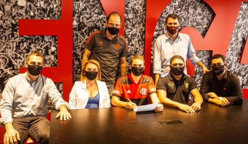 Flamengo acerta retorno de atacante e firma contratos de formação com jovens do sub-15