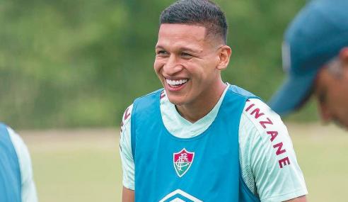 Juventude anuncia contratação de atacante do Fluminense