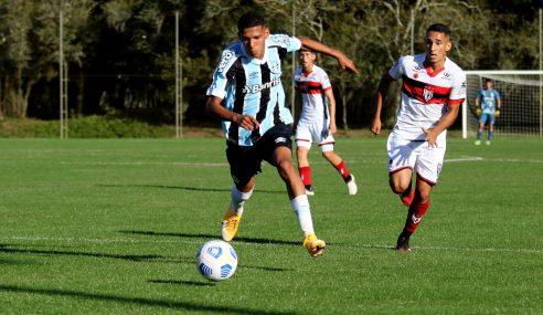Atlético-GO vence no Sul e passa Grêmio na tabela do Brasileirão Sub-17