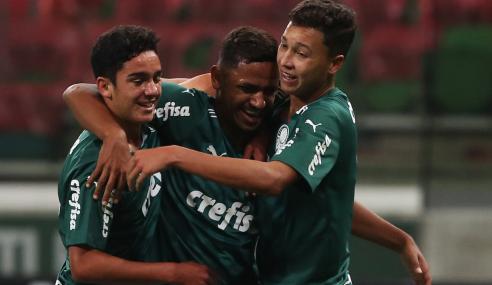 Jean Carlos sai do banco, faz dois e Palmeiras derrota Atlético-GO pelo Brasileirão Sub-17