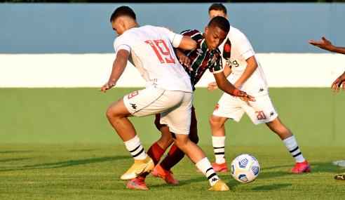 Com um tempo para cada equipe, Vasco e Fluminense empatam pelo Brasileirão Sub-17