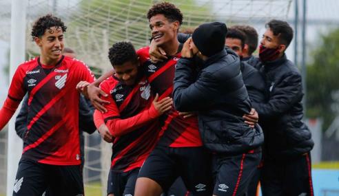 Athletico-PR vence Atlético-MG e garante classificação no Brasileirão Sub-17
