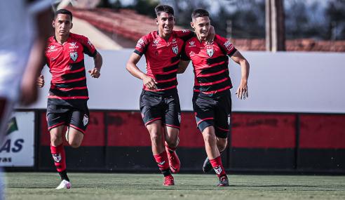 Atlético-GO vence e quebra 100% do Flamengo no Brasileirão Sub-17
