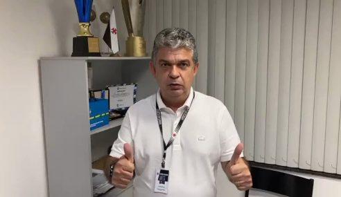 Carlos Brazil troca o Vasco pelo Corinthians