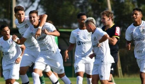 De virada, Santos vence Chapecoense e entra no G-4 do Grupo B do Brasileirão Sub-17