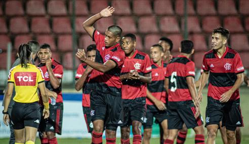 Cruzeiro perde pênalti no fim e é derrotado pelo Flamengo no Brasileirão Sub-17