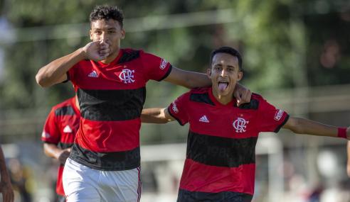 Flamengo goleia América-MG e fica a uma vitória das quartas do Brasileirão  Sub-17