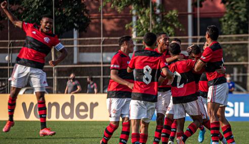 Flamengo vence, mantém 100% e afunda Botafogo no Brasileirão Sub-17