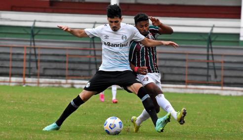 Nos acréscimos, Grêmio busca empate com o Fluminense pelo Brasileirão de Aspirantes