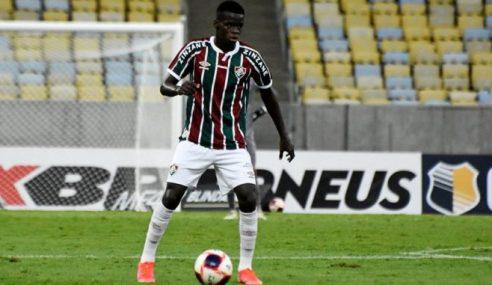 A pedido do Grupo City, Metinho é liberado pelo Fluminense