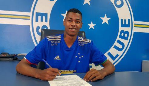 Com passagens pelas seleções de base, volante renova com o Cruzeiro