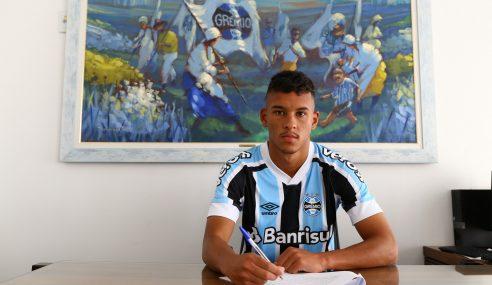 Grêmio anuncia contratação de atacante de 20 anos