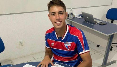 Zagueiro assina primeiro contrato profissional com o Fortaleza