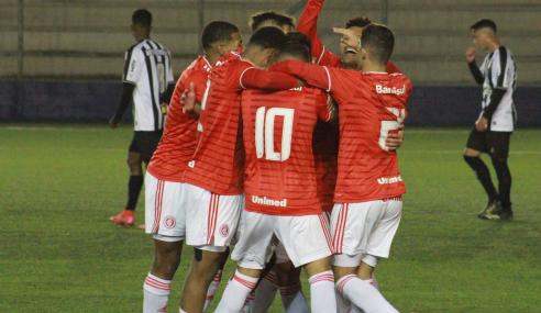 Internacional vence Atlético-MG e embola Grupo B do Brasileirão Sub-17