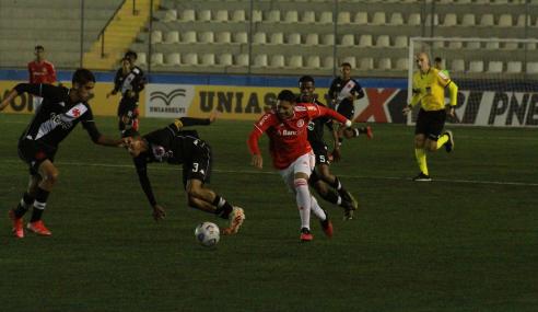 Fora de casa, Vasco resolve no início e derrota Internacional pelo Brasileirão Sub-17