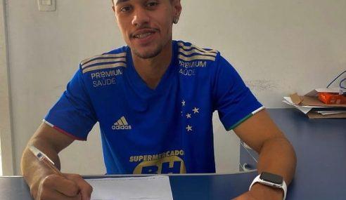 Meia de 18 anos do Resende é contratado pelo Cruzeiro
