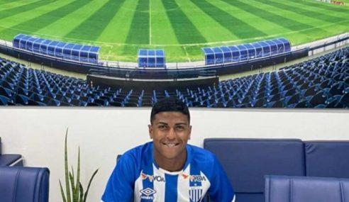 Avaí firma primeiro contrato profissional com Vinicius Marques
