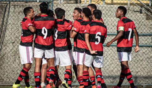 Flamengo vence Atlético-MG fora de casa e larga bem nas quartas do Brasileirão Sub-17