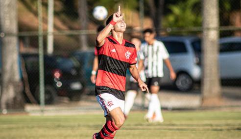 De virada, Flamengo derrota Atlético-MG e vence a segunda no Brasileirão Sub-20