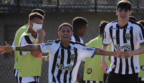 Atlético-MG bate Fluminense e fica com última vaga do Grupo B do Brasileirão Sub-17