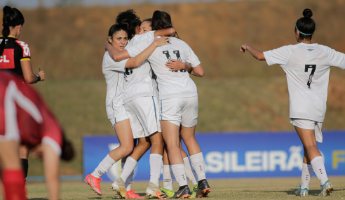 Santos derrota Audax-SP e assume ponta do Grupo D do Brasileirão Feminino Sub-18