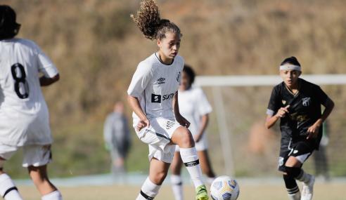 Santos atropela Ceará e fica perto da segunda fase do Brasileirão Feminino Sub-18