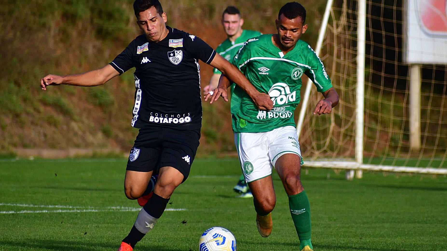 Botafogo vira sobre a Chapecoense e é terceiro no Brasileirão Sub-20