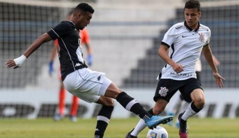 Fora de casa, Vasco atropela e deixa Corinthians na lanterna do Brasileirão Sub-20
